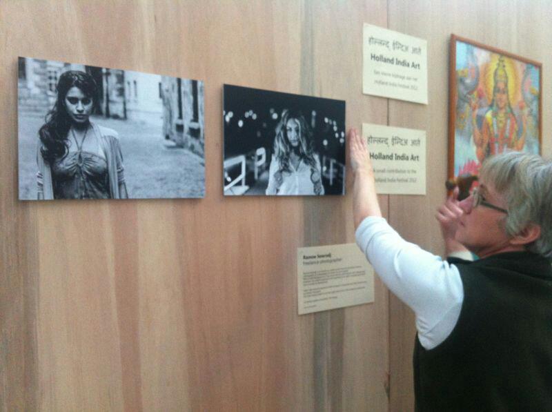 Publicatie foto exhibitie Sadhana Lila door Ramoe Sewradj in Atrium, DenHaag