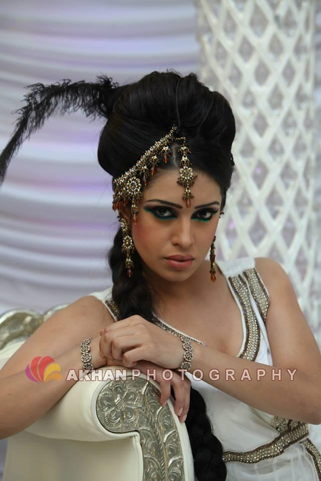 Fotoshoot en modeshow tijdens 'Pakistani mela' met Sadhana Lila en UniQue & Ayub Khan in De Uithof, DenHaag