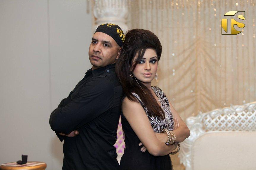 Fotoshoot Sadhana Lila met UniQue en Tahir Syed tijdens 'Amsterdam International Fashion Week' in Crown Plaza hotel, DenHaag